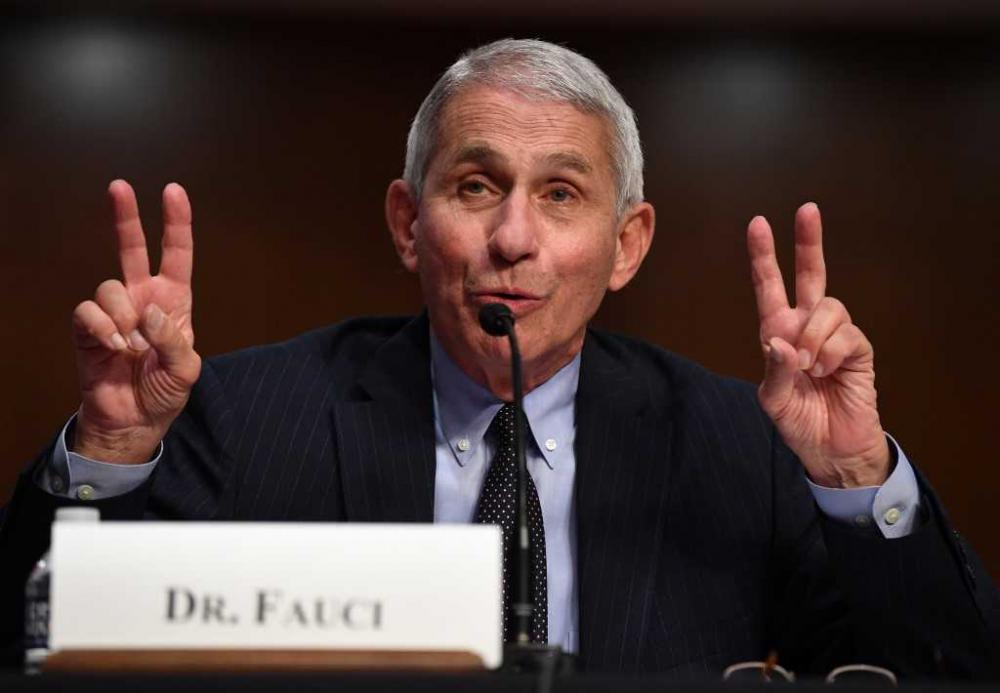 """فاوتشي: """"أشك بفعالية وأمان اللقاح الروسي"""""""