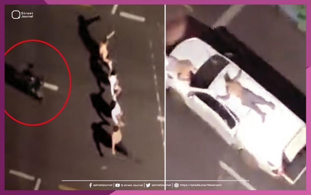 عصابة تسطو على بنك وتهرب بالرهائن مقيدين فوق أسطح السيارات