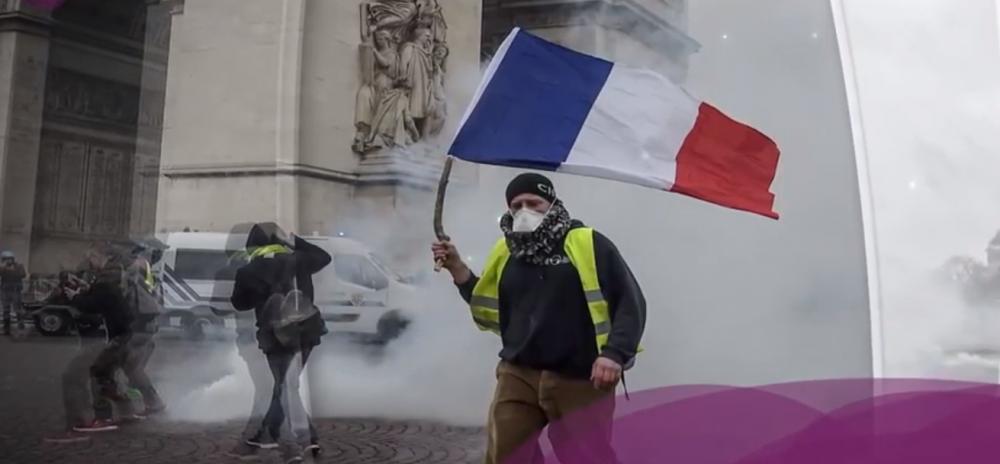 """تعرفوا على حركة """"السترات_الصفراء"""" في فرنسا"""
