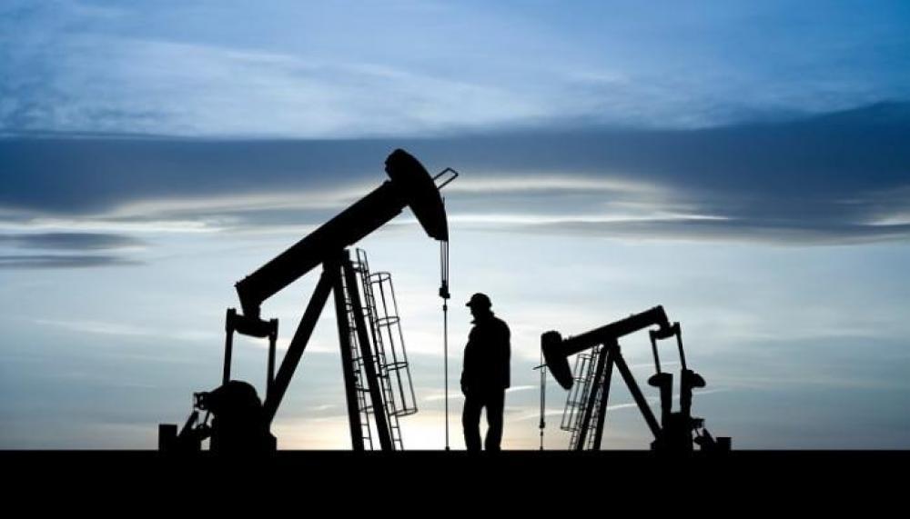 «النفط» يقفز أكثر من دولار
