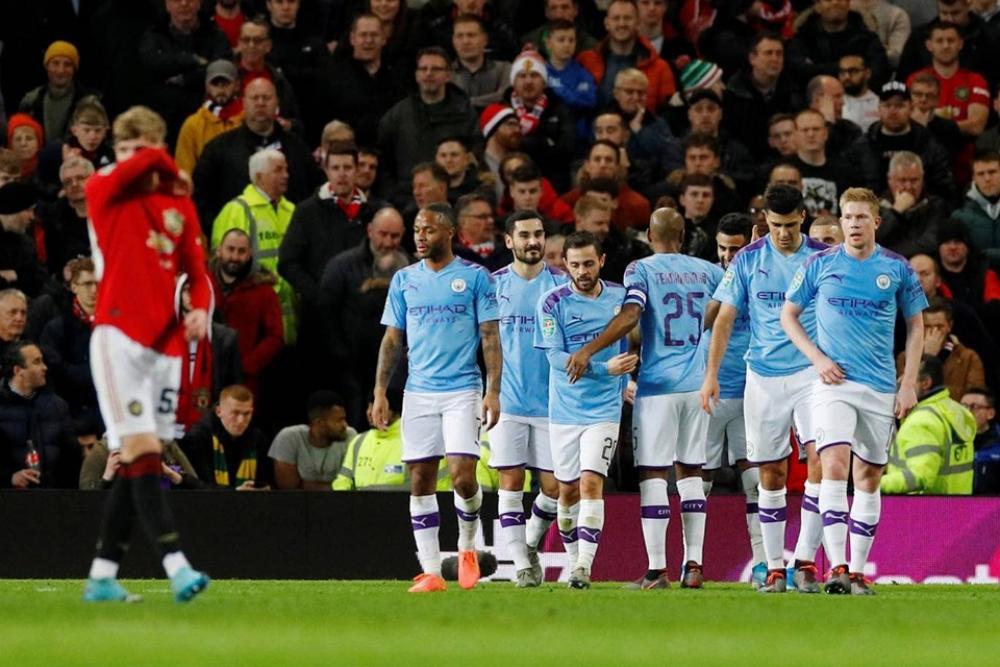 مانشستر سيتي يتغلب على جاره يونايتد ويقترب من نهائي الرابطة