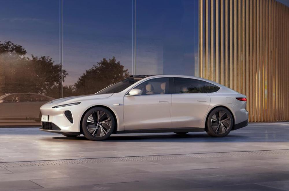 «الصين» تكشف عن سيارتها الجديدة