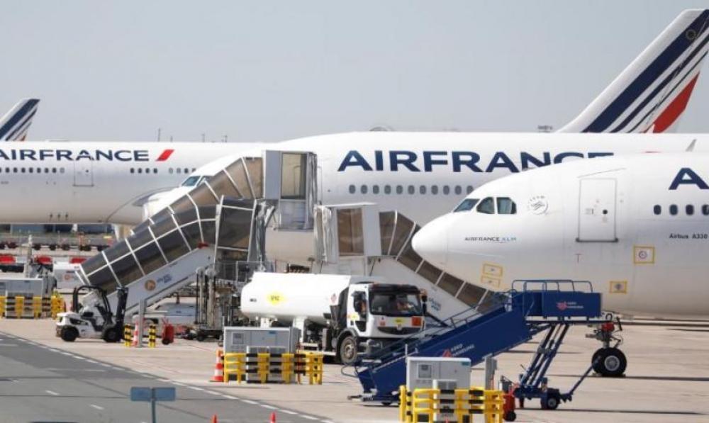 شركتا طيران في فرنسا تسرحان 7580 موظفاً