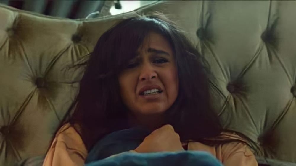 رغم تكتم عائلتها... ياسمين عبد العزيز تصرخ!