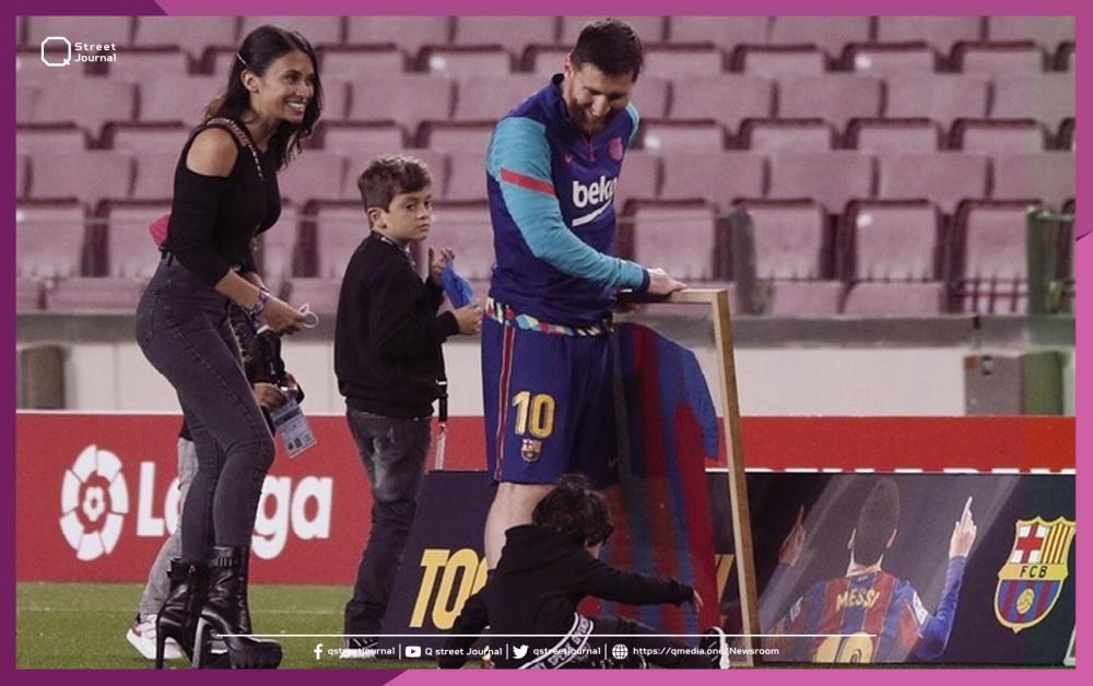«ميسي» يستمتع بحصة تدريبية مع أطفاله