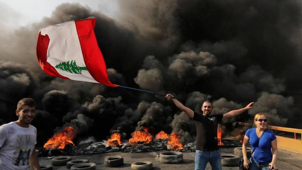 عن المظاهرات اللبنانية والاستقالة الحكومية